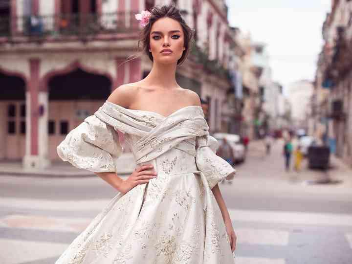 Mariée dans l'année ? Les 125 plus belles robes de 2019 vous attendent !