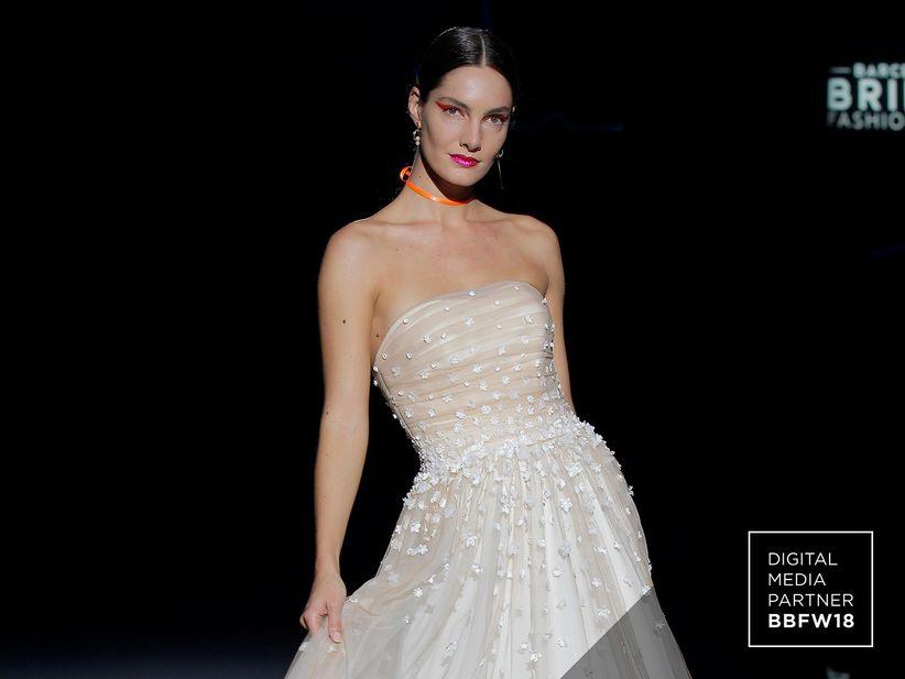d5bd7902ef2 Robes de mariée Marylise 2019   l élégance épurée et moderne
