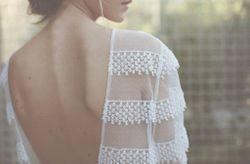 Collection Donatelle Godart 2017 : robes de mariée rétro, féminines et sensuelles