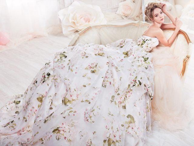 45 robes de mariée à fleurs pour des mariées romantiques