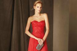 40 robes de soirée rouges qui feront sensation à un mariage