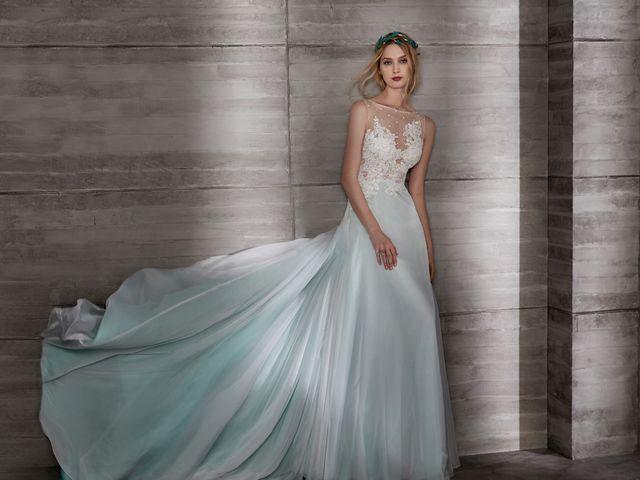 Robe de mariée 2019 de couleur : 40 modèles qui font exception à la tradition