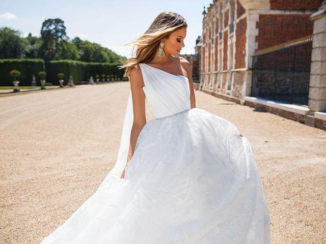 40 robes de mariée avec décolleté asymétrique