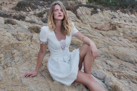 25 robes de mariée courtes pour un look estival sublime !