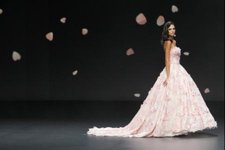 Les robes de mariée les plus originales de 2021 vues sur les podiums de la VBBFW