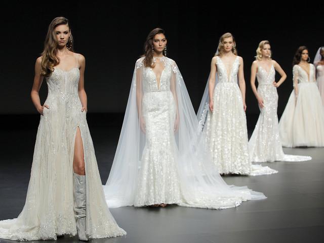 Yumi Katsura 2021 : des robes de mariée richement ornées à la VBBFW
