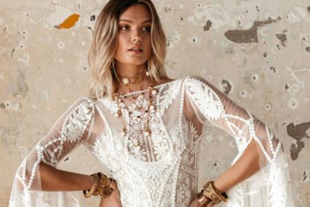 Rue de Seine 2021 : la collection de mariée hippie-chic et ses reflets de sable chaud
