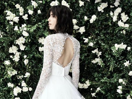Carolina Herrera printemps 2020 : tenues structurées, mariées sublimées