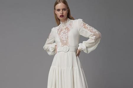 Un grand oui aux robes de mariée rétro-bohèmes de la collection Costarellos 2021