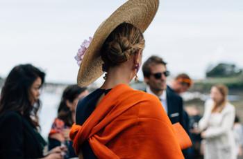 Le guide ultime de chapeaux pour un look d'invitée parfait