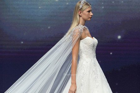 6 accessoires de mariée 2021 repérés sur les podiums de la mode nuptiale