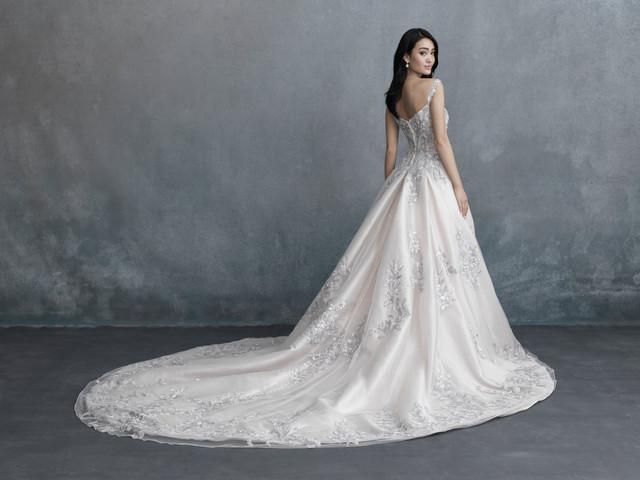 Allure Bridals 2021 : à chaque histoire d'amour sa robe blanche unique