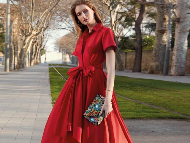 75 robes de soirée rouges qui feront sensation à un mariage