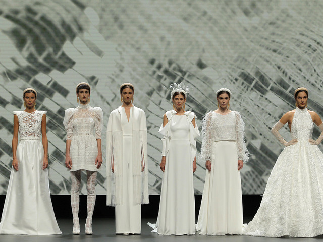 Robes de mariée 2021 Jesús Peiró : ode à la femme moderne à la VBBFW
