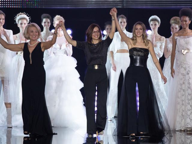 Nicole présente sa collection 2020 de robes de mariée lors d'un événement riche en émotions
