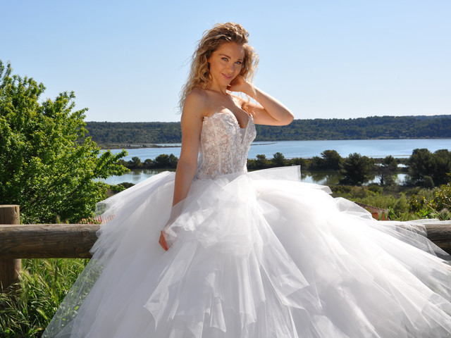 Les Mariées de Provence : belles robes et bonnes nouvelles pour les heureuses élues de 2022 !