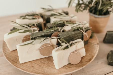 Petit Mariage entre Amis : des cadeaux aux invités qui sortent du lot!