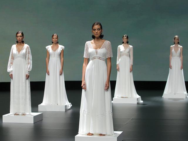 Le tombé naturel et précis des robes de mariée Marylise & Rembo Styling à la VBBFW