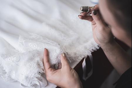 Les Mariées de Provence : découvrez les coulisses de la maison de couture