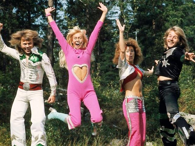 Les 35 meilleures chansons d'ABBA pour votre mariage !