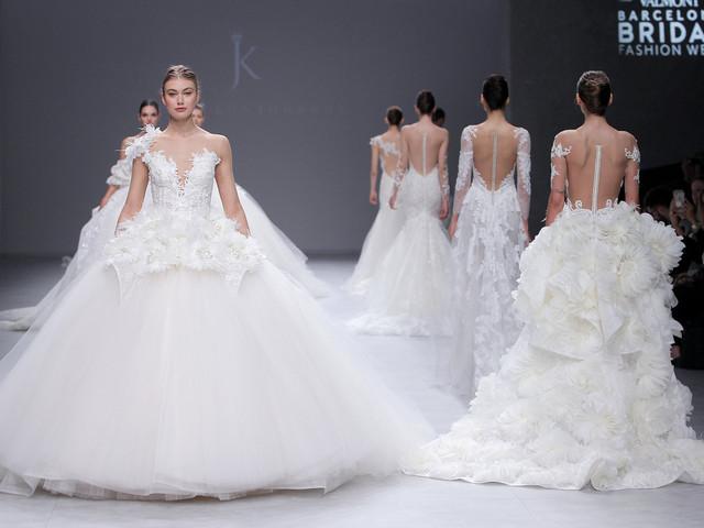 Julia Kontogruni 2020 : une collection de robes de mariée entre glamour et poésie