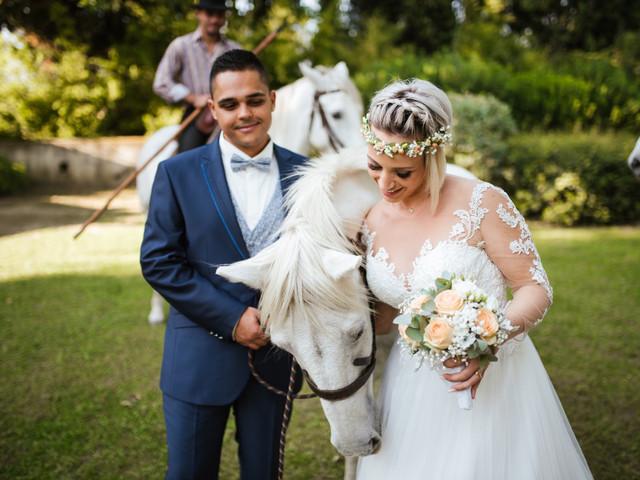 Les mariés à cheval : une arrivée remarquée !