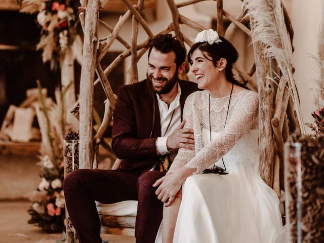 Belles et confortables : 7 chaises de cérémonie originales pour les mariés