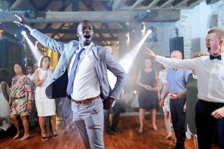 Playlist de mariage R&B : des chansons tantôt douces tantôt rythmées