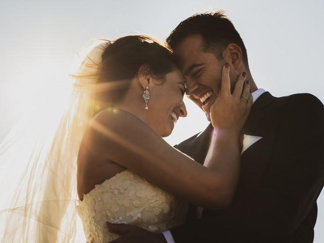35 chansons drôles pour passer une bonne soirée de mariage avec vos invités
