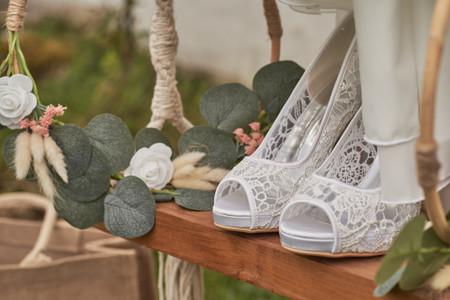 Chaussures de mariée, avec de la dentelle s'il vous plaît !