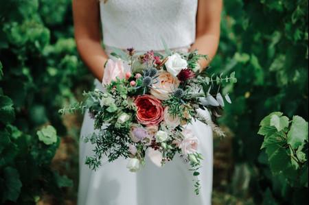 6 fleurs pour un bouquet de mariée d'été