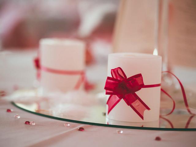 7 idées de centres de table de mariage avec des bougies