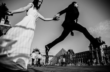 Reportage photo de mariage « à la Doisneau » : 5 approches pour allier spontanéité et émotion