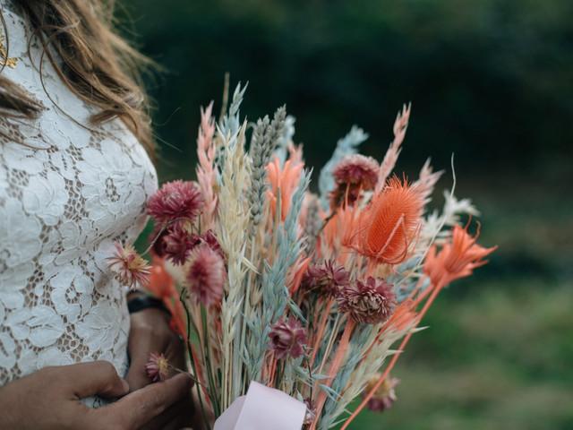 Fleurs séchées : 5 idées déco pour un jour J éternel