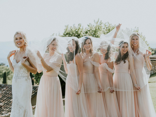 Oublier le blanc et... ? Voici 5 conseils pour ne pas faire d'ombre à la mariée