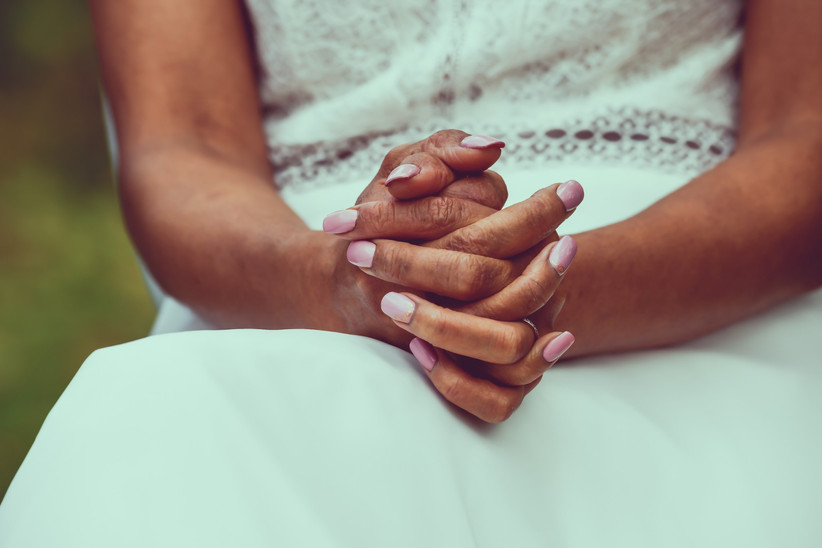 7 couleurs de vernis tendance pour votre manucure de mariage