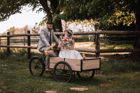 Vélo triporteur : une arrivée des mariés qui se démarque !