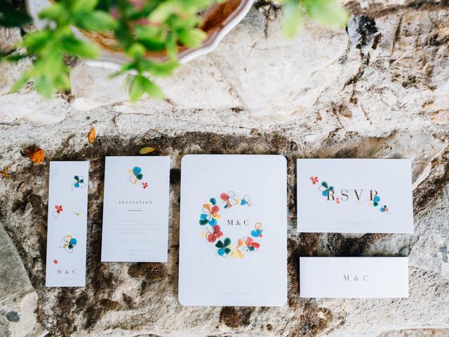 Faire-part de mariage 2021: minimalistes, abstraits, et artistiques!