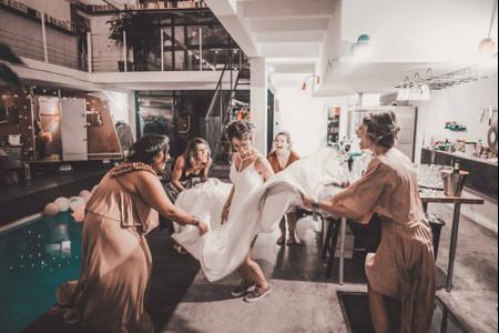 35 chansons pour une soirée de mariage très « girl power » !