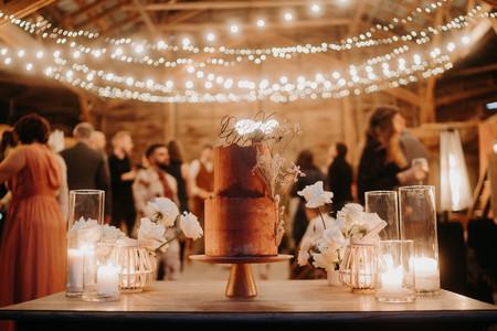 25 gâteaux de mariage minimalistes : la simplicité qui a bon goût