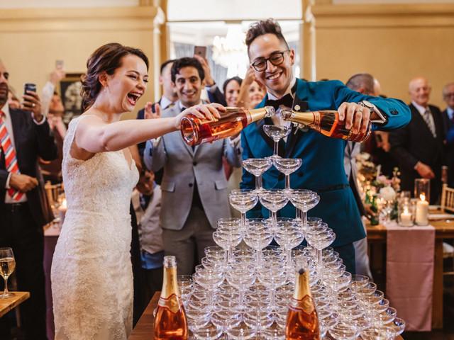 Entre bulles, tradition et animation, relevez le défi de la fontaine à champagne !