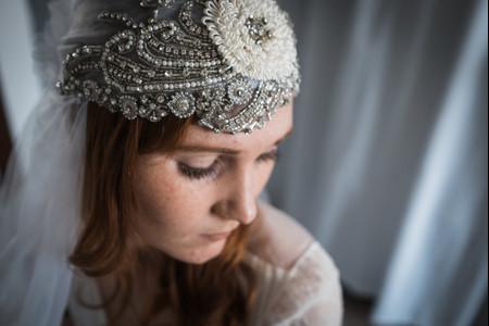 6 accessoires de coiffure audacieux pour les mariées à forte personnalité