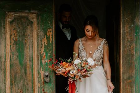 20 bouquets de mariée avec des baies rouges