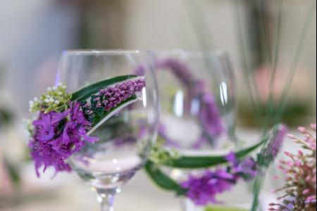 6 idées pour détourner des verres en accessoires déco de mariage