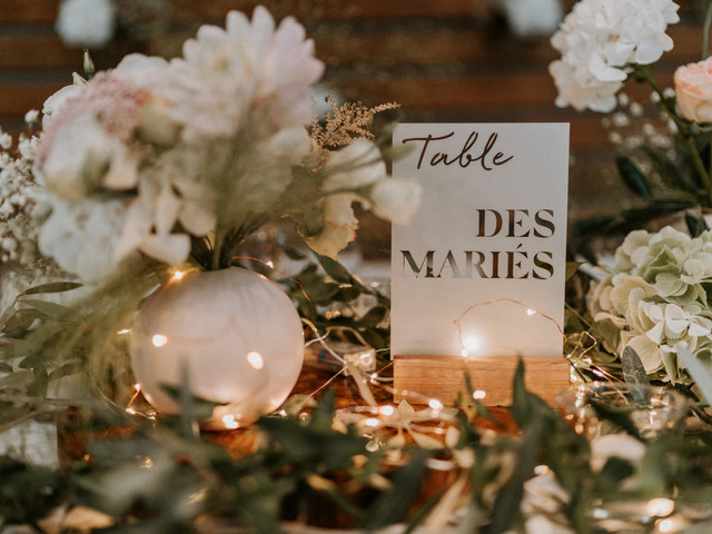 Table des mariés : 7 bonnes idées pour la différencier