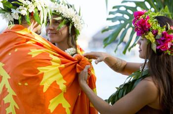 5 rituels du mariage tahitien : un engagement riche en symboles