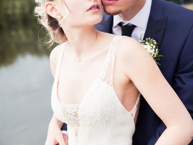 Robe de mariée : quel décolleté pour une petite poitrine ?
