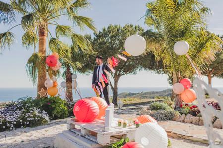 Lampions en papier pour une décoration de mariage festive