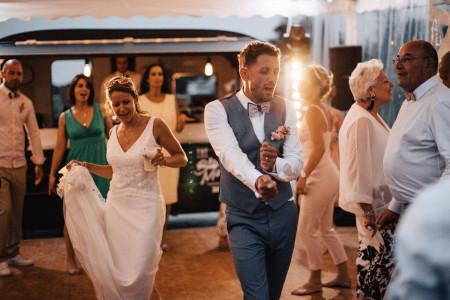 Les 20 meilleurs remix pour votre soirée de mariage : chill ou dance?