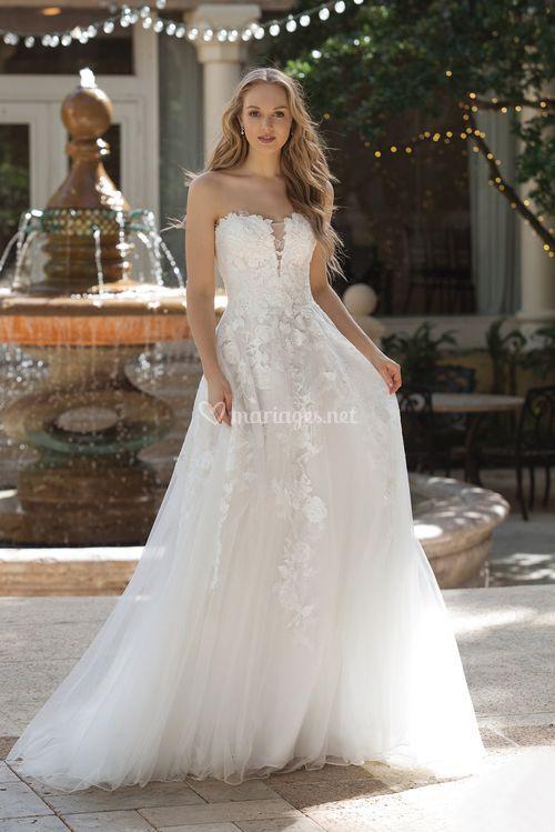 44073, Sincerity Bridal